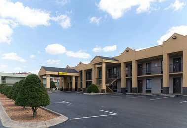 Super 8 Hotel Northeast Clarksville