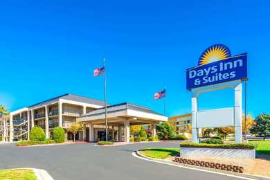 Days Inn & Suites North Albuquerque