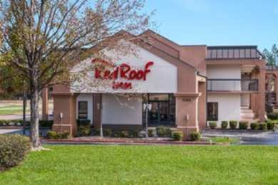 Red Roof Inn & Suites Texarkana