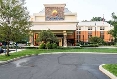 Comfort Inn & Suites Newark