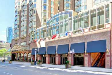 DoubleTree by Hilton Hotel Downtown Toronto