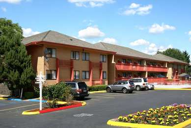 Howard Johnson Inn Airport Portland