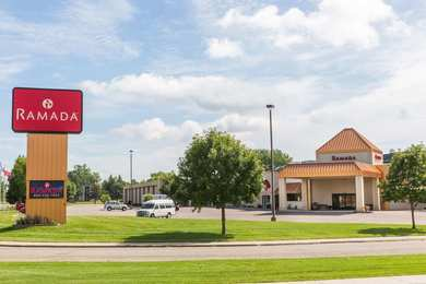Ramada Hotel & Suites Sioux Falls Airport