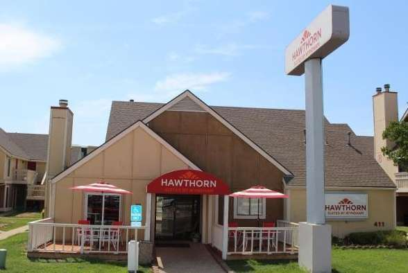 Hawthorn Suites by Wyndham East Wichita