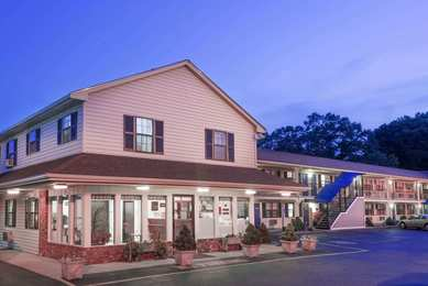 Knights Inn North Attleboro