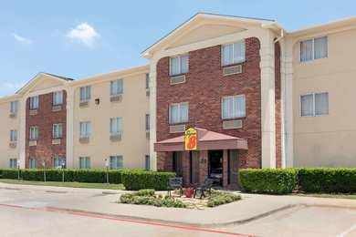 Super 8 Hotel DFW Airport Northwest Grapevine