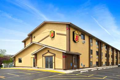 Super 8 Hotel East Cedar Rapids