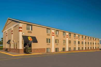 Super 8 Hotel West Lincoln