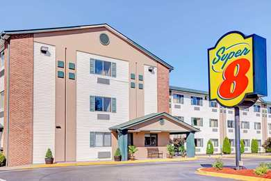 Super 8 Hotel Airport Louisville