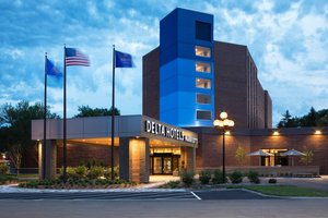 Ramada Plaza Hotel Minneapolis
