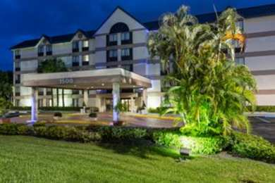 Holiday Inn Express Hotel & Suites Fort Lauderdale