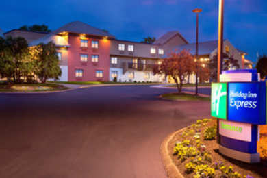 Holiday Inn Express Airport Nashville