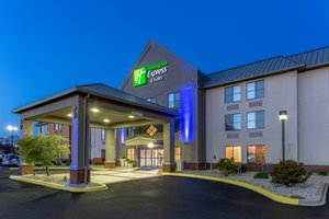 Holiday Inn Express Hotel & Suites Scottsburg