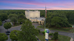 Holiday Inn Express Stony Brook Centereach