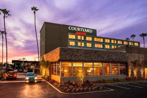 Courtyard by Marriott Hotel Woodland Hills
