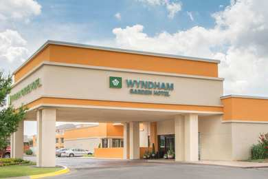 Hotels near white water bay oklahoma city see all discounts for Wyndham garden oklahoma city airport