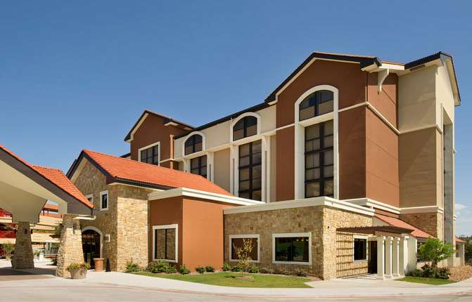 Drury Inn & Suites Airport San Antonio
