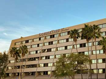 DoubleTree Suites by Hilton Hotel Tampa Bay