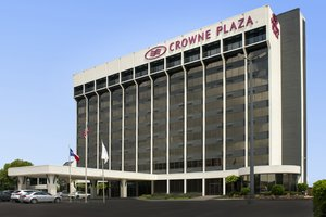 Crowne Plaza Hotel Airport San Antonio