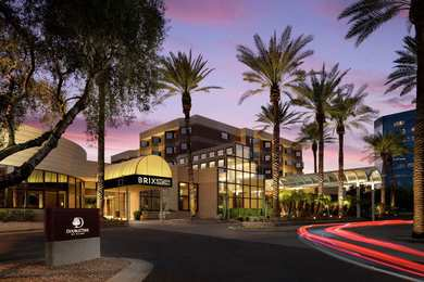DoubleTree Suites by Hilton Hotel Airport Phoenix