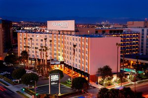 Four Points by Sheraton Hotel LAX Airport Los Angeles