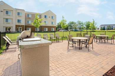 Baymont Inn & Suites Green Bay