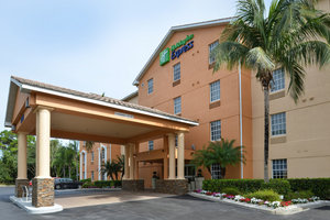 Holiday Inn Express Hotel & Suites Bonita Springs