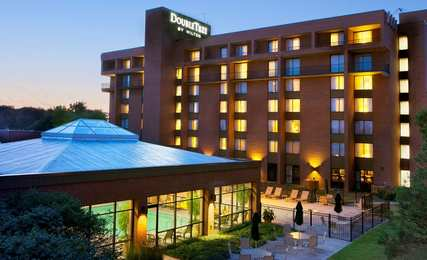 DoubleTree by Hilton Hotel East Syracuse