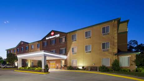 Best Western Plus Inn & Suites Clive