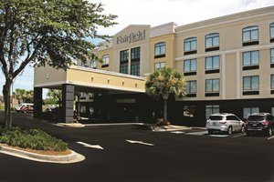 Fairfield Inn & Suites by Marriott Airport N. Chas