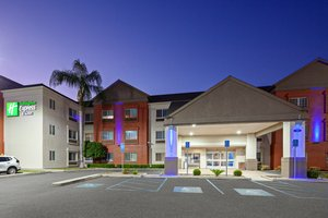 Charter Inn & Suites Tulare