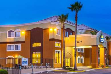 Days Inn & Suites Marana
