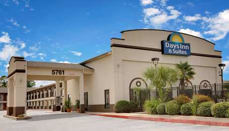 Days Inn & Suites Opelousas