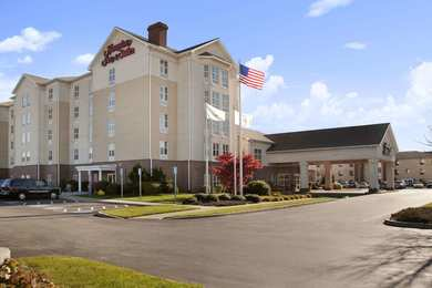 Hampton Inn & Suites Airport Warwick