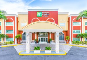 Holiday Inn Express Hotel & Suites West Bradenton