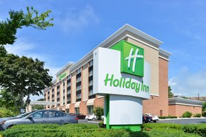 Holiday Inn North New London