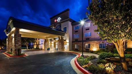 Holiday Inn Express Hotel & Suites South Longview