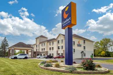 Baymont Inn & Suites North Aurora