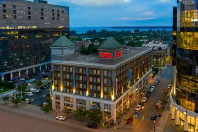 Hampton Inn & Suites Downtown Buffalo