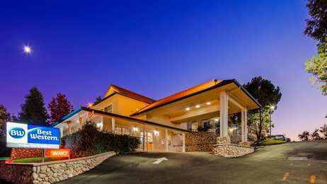 Best Western Cedar Inn & Suites Angels Camp