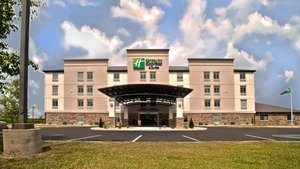 Holiday Inn Express Hotel & Suites North Evansville