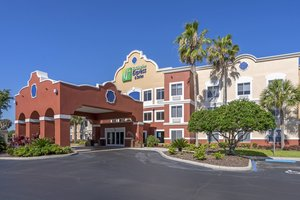 Holiday Inn Express Hotel & Suites Lady Lake
