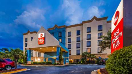 Best Western Plus Hotel & Suites College Park