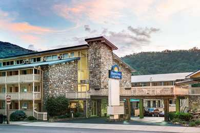 Days Inn & Suites Downtown Gatlinburg Parkway
