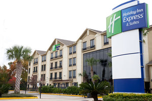 Holiday Inn Express Hotel & Suites North Houston