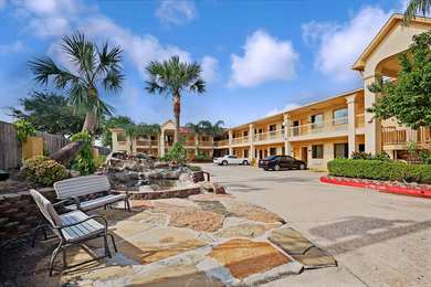 Super 8 Hotel Hobby Airport South Houston
