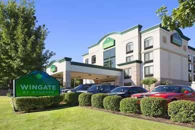 Wingate by Wyndham Hotel Little Rock