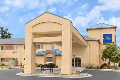 Baymont Inn & Suites Fort Wayne