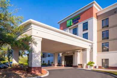 Holiday Inn Express Hotel & Suites NW Tampa