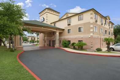 Days Inn & Suites North San Antonio